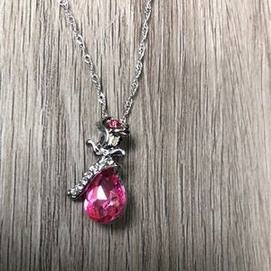 Jewelry - 🔴 Crystal Pendant Flower Necklace